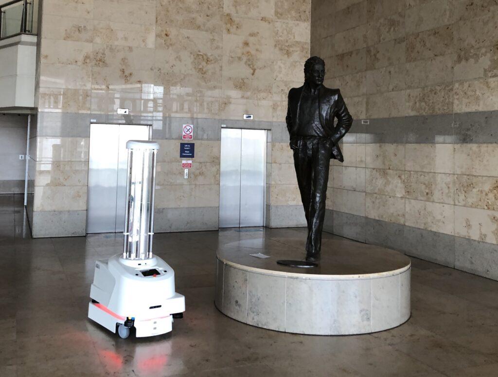 UVD Robot at John Lennon Airport